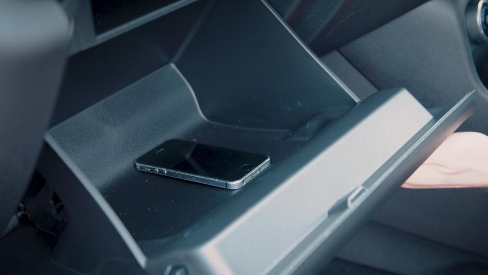 Rešitev za varno vožnjo brez telefona