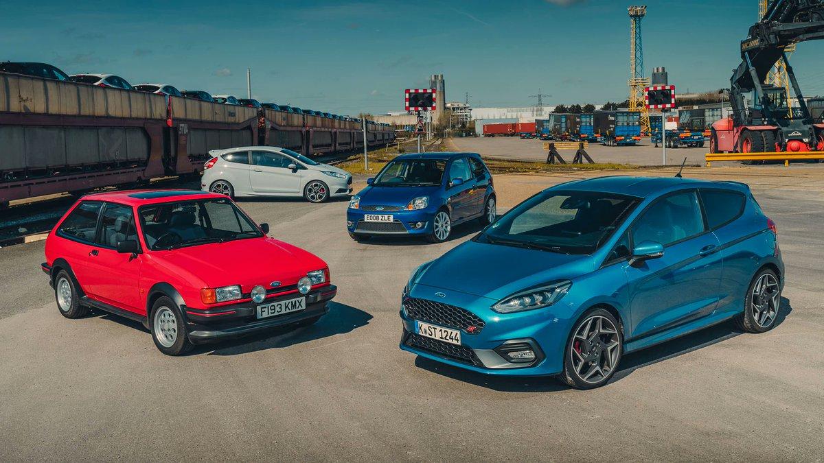 Srečanje z novo Fiesto ST in starejšimi člani njene družine (Fiesta: '89 MkII XR2, FIesta '06 ST in Fiesta RS200)