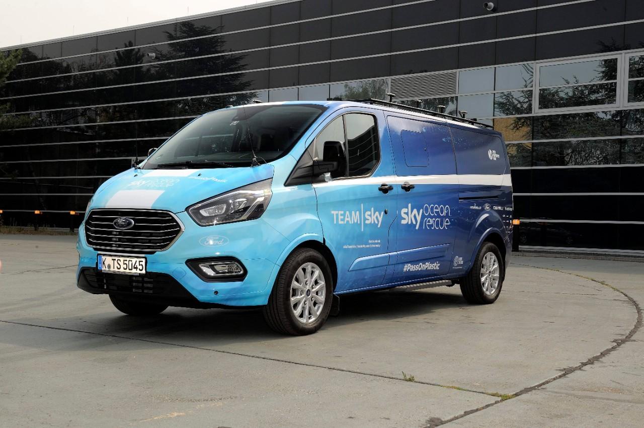 Ford na dirki Tour de France – Team Sky in Tourneo Custom