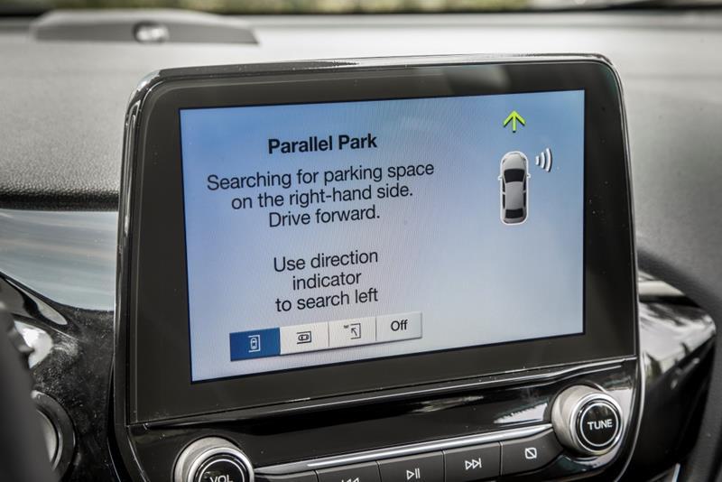 Ali veste koliko tehnologij med vožnjo skrbi za vašo varnost?