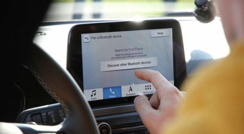 Mobilni telefoni – pisanje med vožnjo