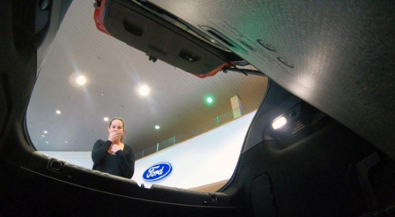 Ford v duhu noči čarovnic