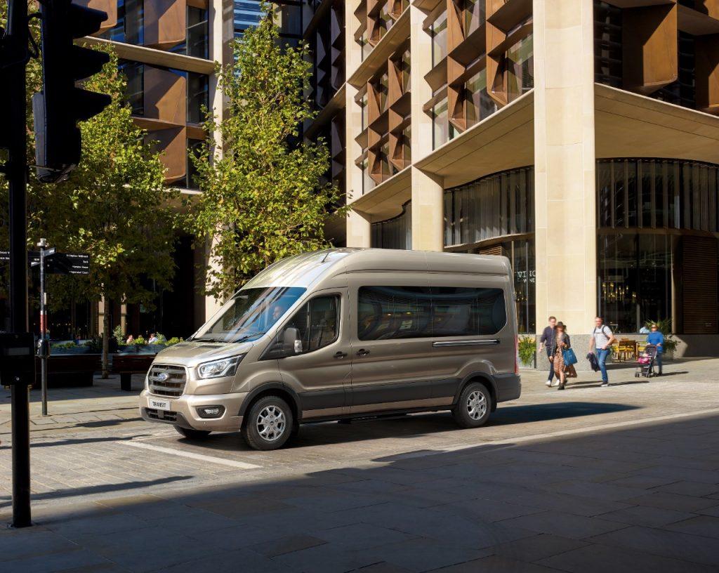 Ford Transit sedaj z učinkovitim in trpežnim novim 10-stopenjskim samodejnim menjalnikom