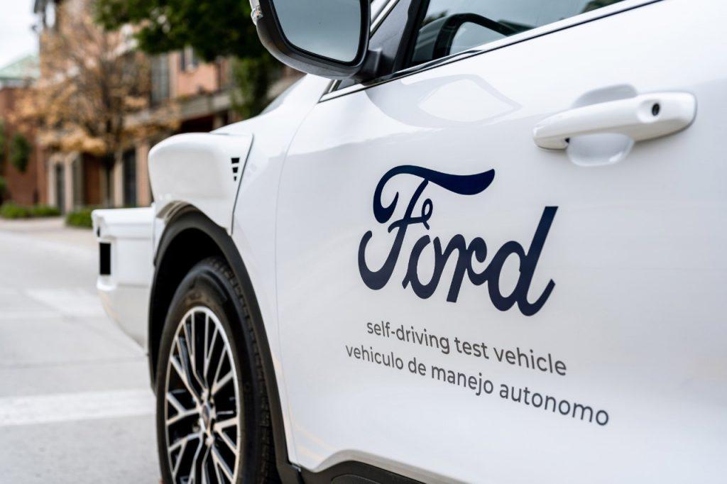 Fordovo avtonomno vozilo nove generacije polaga temelje