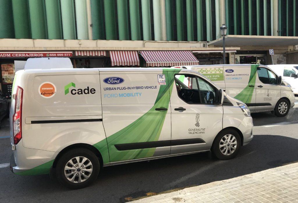 Fordova priključna hibridna vozila z novimi povezanimi tehnologijami