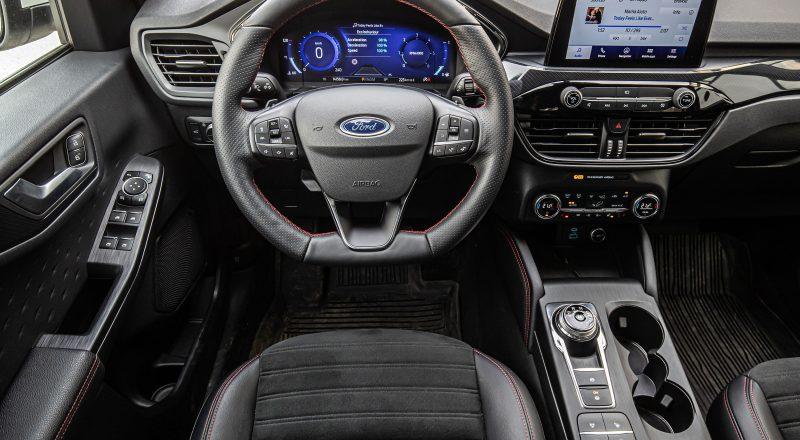 S Ford Kugo na premiero