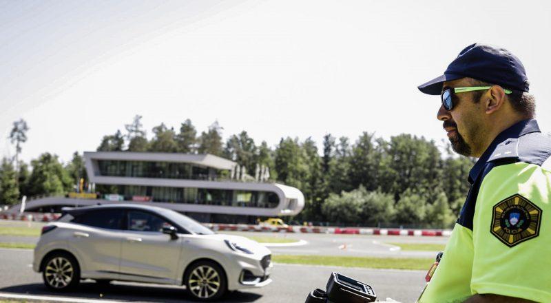 Najboljša za volanom 2021 sta Neca Galičič in Žiga Žgur